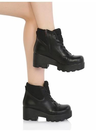Derigo Kalın Topuklu Bağcıklı Bot Siyah